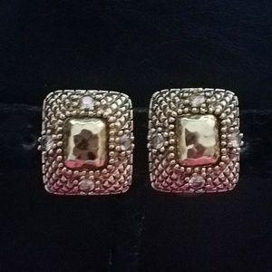 NWOT ST. JOHN gold clip on earrings